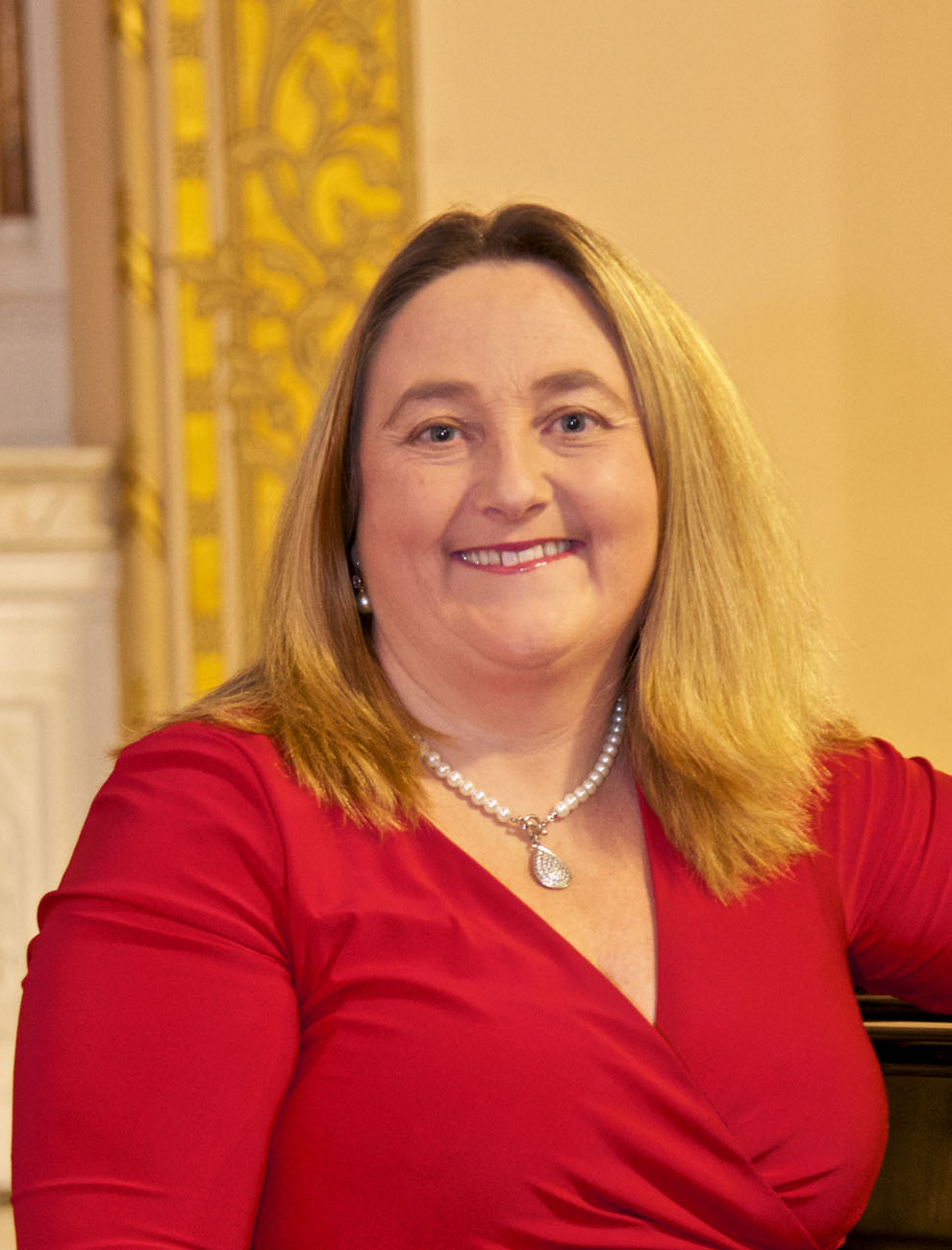 Valerie Leahy, Soprano, Headshot